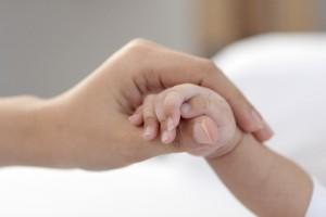 敬老の日には赤ちゃんの手形を!取り方は?カードにして贈ろう!
