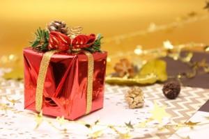 クリスマスプレゼント女性へおすすめ、告白するならアクセサリーもあり?